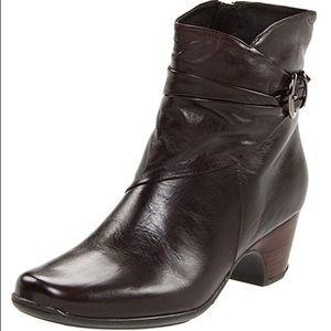 Clarks Artisan Collection Leyden Crest Boots